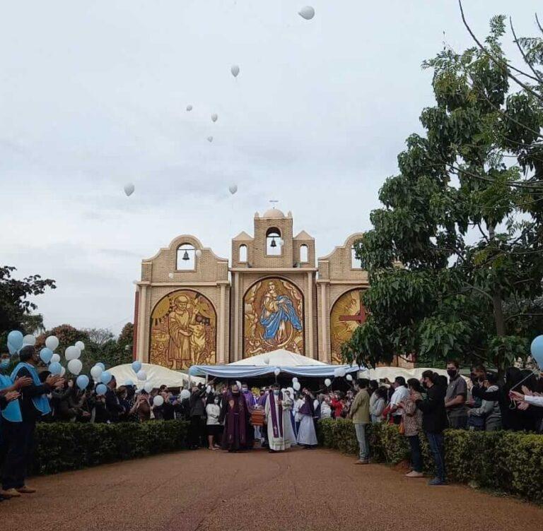 La despedida a fray Luis Otazua por la gente de Caaguazú